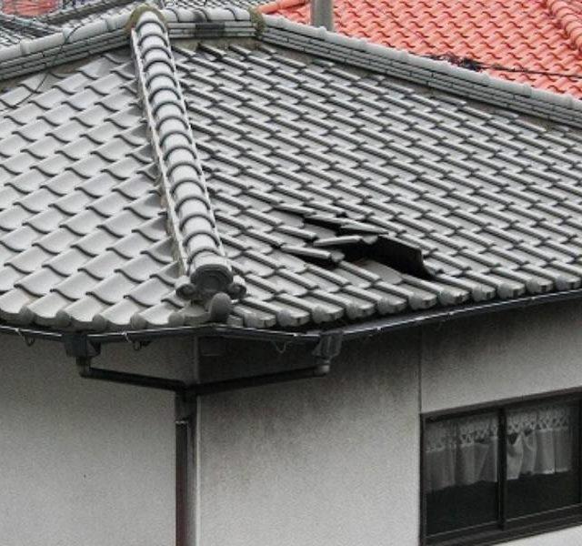 台風で屋根の被害